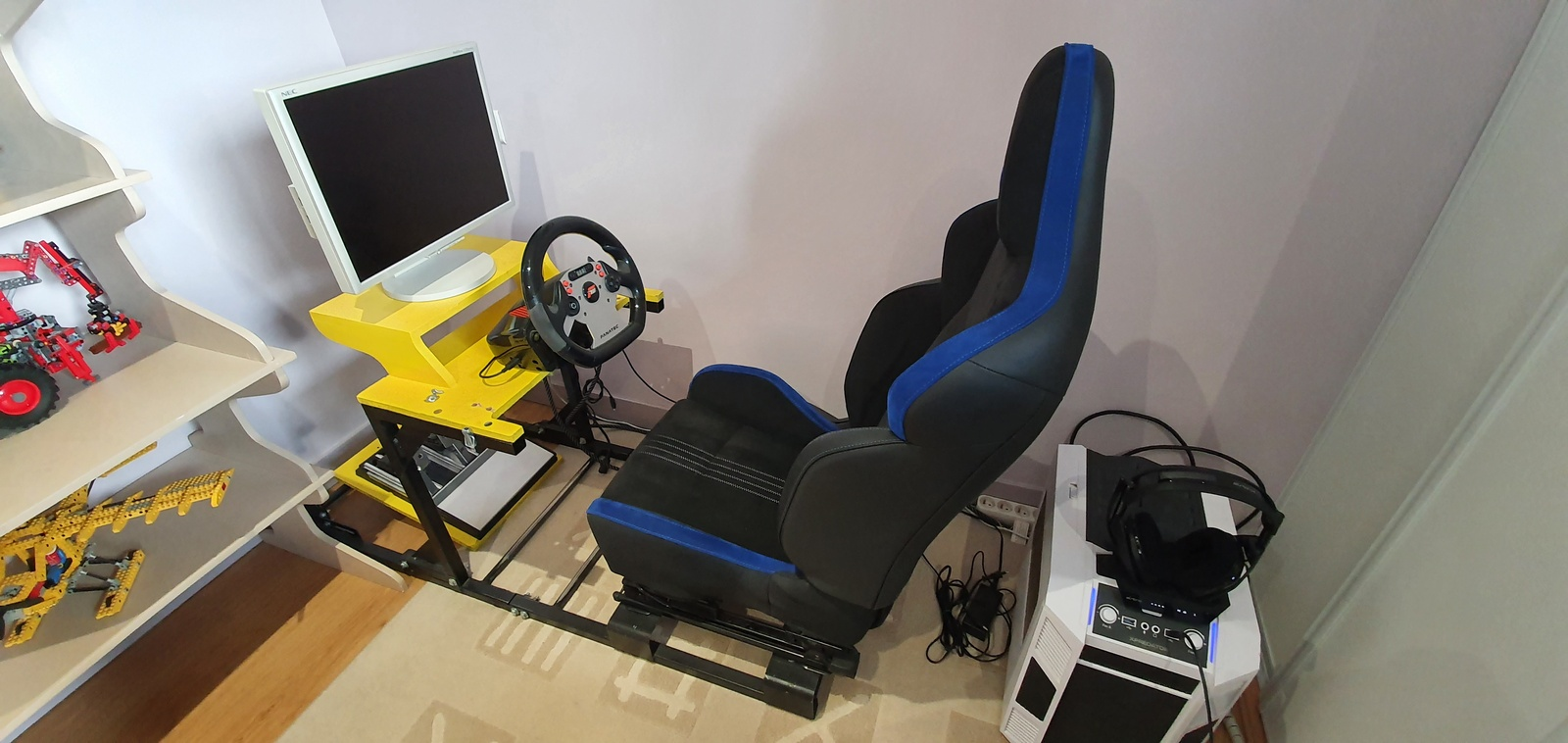 PlaySeat.jpg